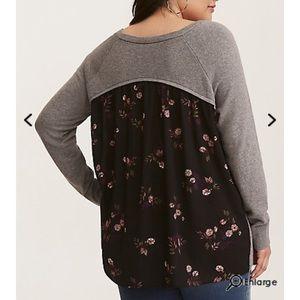 NWT Torrid 4X Back Floral Printed Sweater